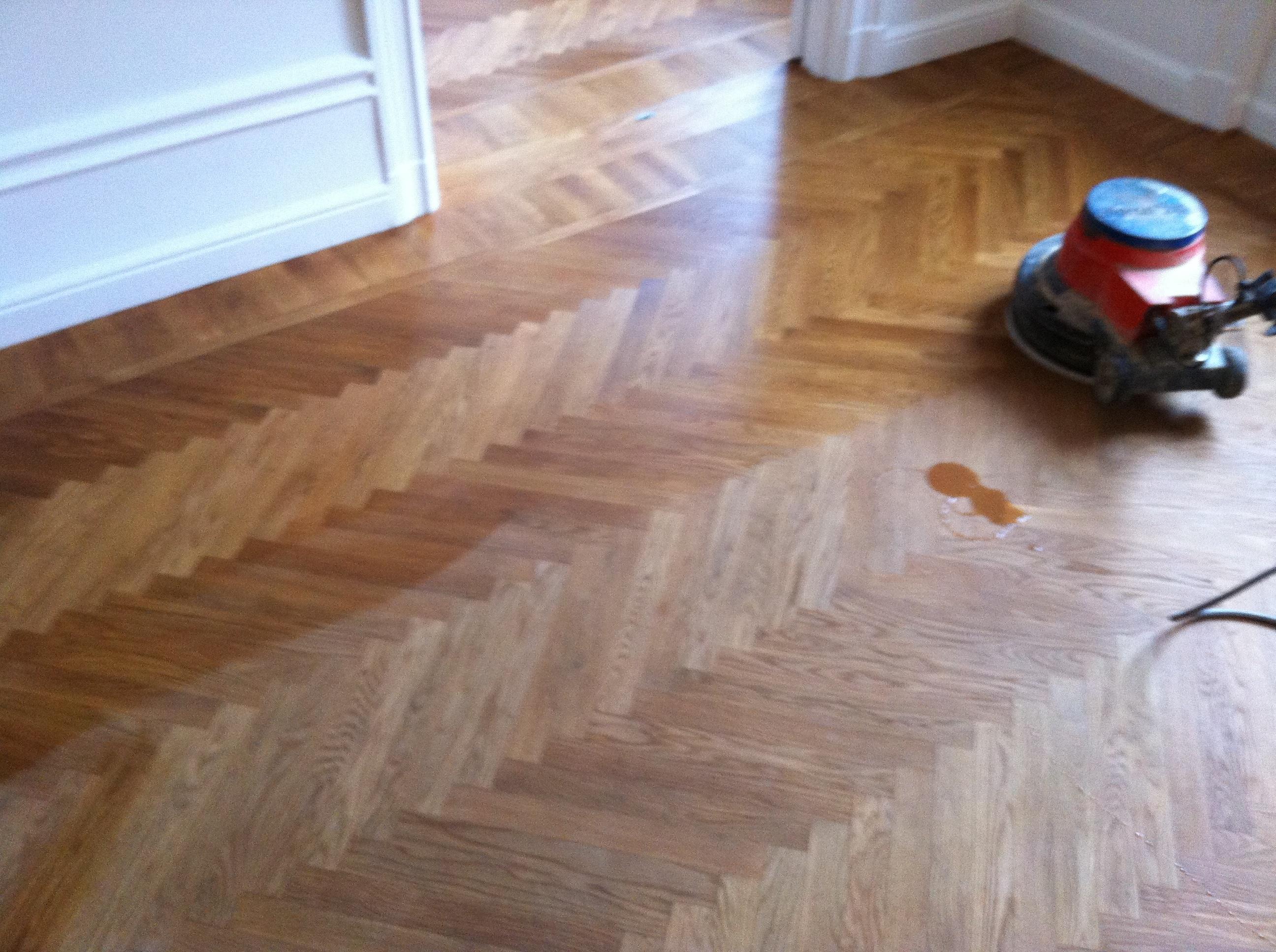 Kährs Parkett Underhåll : Underhållsoljning av parkett och trägolv golvslipning